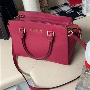 Michael Kors Medium purse